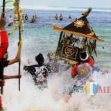 44 Jolen Dilarung di Pantai Balekambang, Ribuan Umat Hindu Bersiap Sambut Nyepi