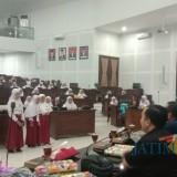 Polosnya Anak-Anak di Malang Bertanya, Tugas Anggota Dewan Apa?