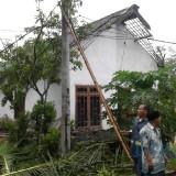 Hujan Disertai Angin Kencang Kembali Mengamuk di Malang