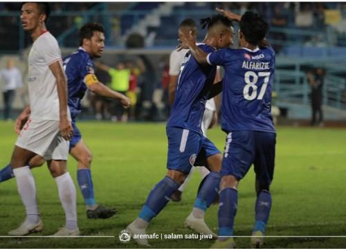 Pemain Arema FC ketika merayakan gol ke gawang Barito Putera, Senin (4/3/2019). (official Arema FC)