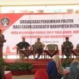 Sosialisasi pendidikan politik bagi Calon  Legislatif yang digelar Bakesbangpol Pemkab Blitar.(Foto : Aunur Rofiq/BlitarTIMES)