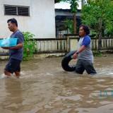 Banjir di Kecamatan Sutojayan.(Foto : Team BlitarTIMES)