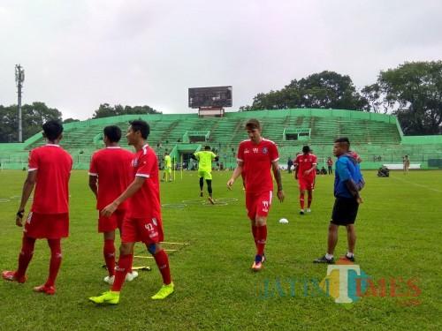 Pemain Arema FC ketika menjalani latihan (Hendra Saputra)