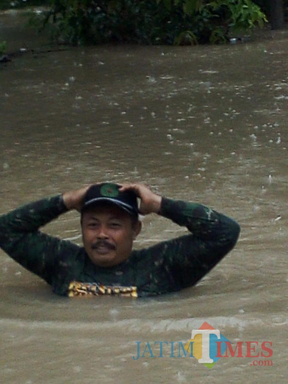Kedalaman banjir di Desa Demuk, Kecamatan Pucanglaban. / Foto : Istimewa / Tulungagung TIMES