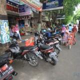 Di lokasi inilah uji coba bebas parkir yang diprotes pemilik toko. (Agus Salam/Jatim TIMES)
