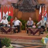 Bupati Blitar  Rijanto saat menerima 9 Duta Besar dari Timur Tengah