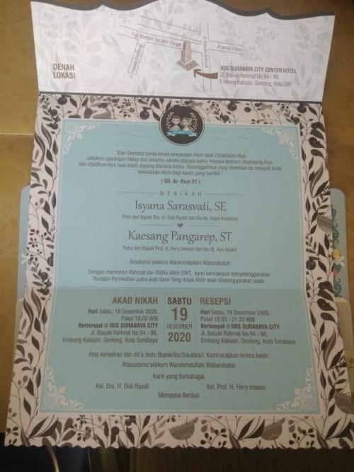 Penampakan undangan pernikahan Kaesang! putra Presiden Jokowi, dengan penyanyi cantik Isyana Sarasvati. (screenshot @kaesangp)