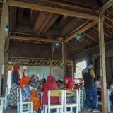 Warung Sego Sambal Kasemo, Sajikan Menu Tradisional dengan Sajian Modern