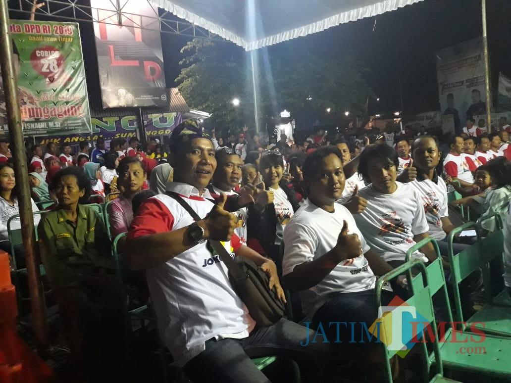 Para peserta deklarasi di Tulungagung dukung paslon nomor 01. / Foto : Anang Basso / Tulungagung TIMES