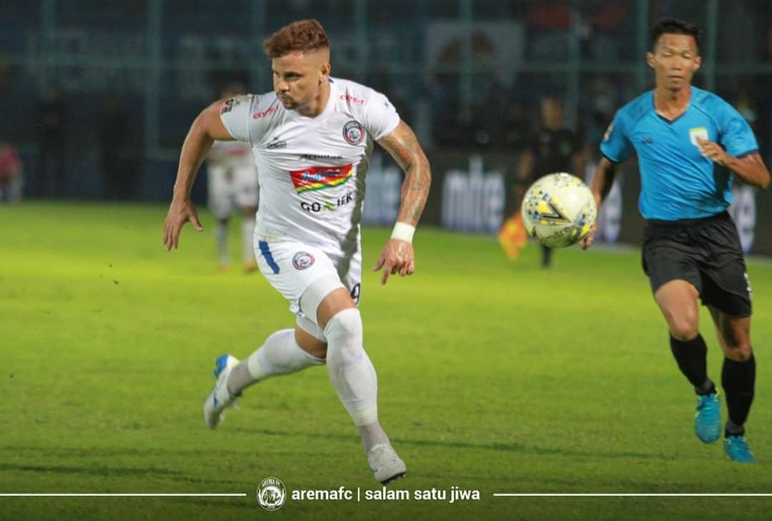 Robert Lima Guimaraes ketika bermain melawan Persela Lamongan di Piala Presiden 2019.(official Arema FC)