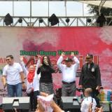 Puncak kemeriahan MRSF di Alun-alun Kota Blitar, Band Cokelat menghentak dengan lagu-lagu hits nya