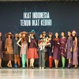 Tenun Ikat Kediri Melenggang Diajang JFF 2019. (Foto: Ist)