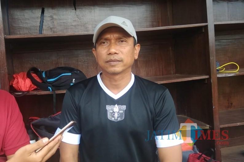Pelatih kepala Persita Tangerang Widodo C. Putro ketika dijumpai saat sesi latihan terakhir sebelum lawan Arema FC. (Hendra Saputra)