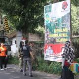 Bawaslu Kota Blitar tertibkan APK yang langgar aturan