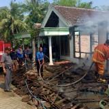 Ditinggal Mipil, Rumah Katiman Habis Dilalap Api