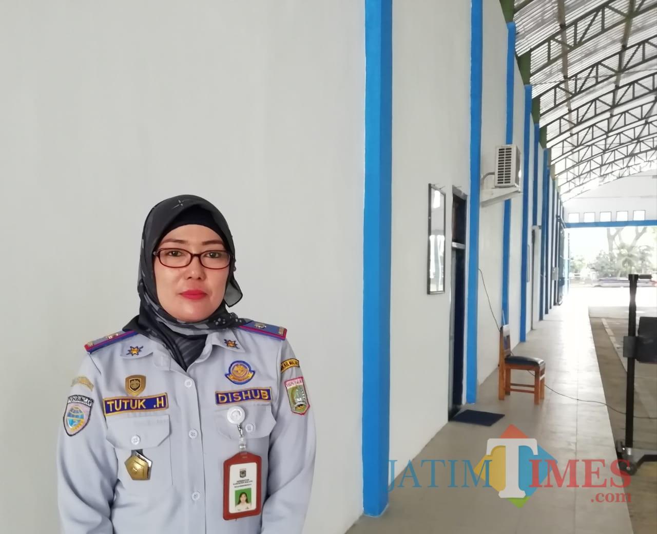 Tutuk Handayani Kepala Unit Teknis Pengujian Kendaraan Bermotor Dishub Kabupaten Malang (Nana)