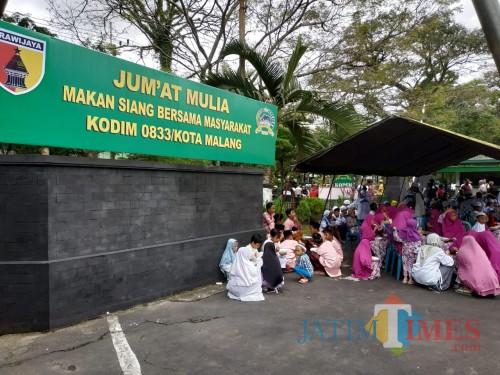 Suasana Jum'at Mulia yang digelar Kodim 0833 Kota Malang (Hendra Saputra)