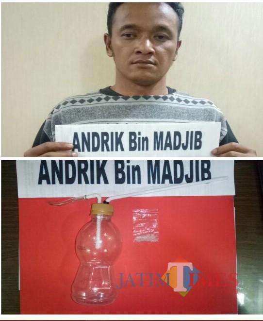 Andrik tersangka beserta barang bukti sabu saat diamankan polisi, Kecamatan Dampit (Foto : Humas Polres Malang for MalangTIMES)