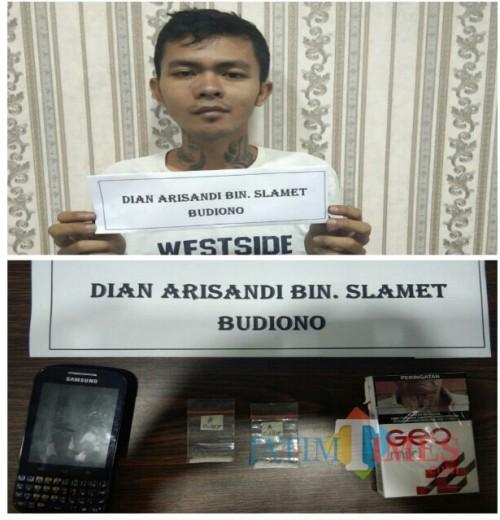 Dian Arisandi, tersangka beserta barang bukti sabu saat diamankan pihak kepolisian. (Foto : Humas Polres Malang for MalangTIMES)