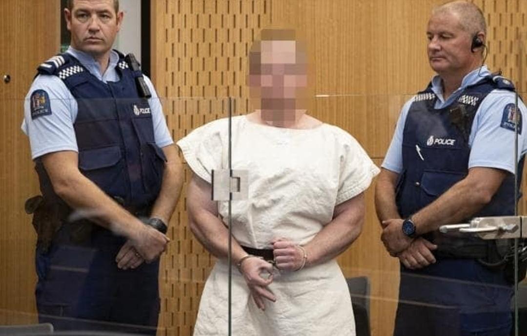 Pelaku teror di Masjid Selandia Baru Brenton Tarrant saat ditangkap kepolisian setempat. (New Zealand Herald)