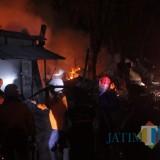 Kondisi Pasar Legi di Jl Seroja, Kecamatan Jombang, saat mengalami kebakaran. (Foto : Adi Rosul / JombangTIMES)