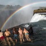 Obyek Wisata Kolam Setan Zambia�punya nama yang cukup mengerikan yakni Kolam Setan menjadi salah satu destinasi wisata yang memukau tapi mematikan di dunia. (Foto: ist)