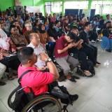 Para disabilitas yang mengikuti kegiatan festival Vokasi di aula Dinsos Kota Malang (Anggara Sudiongko/MalangTIMES)