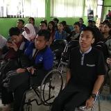 Sejumlah penyandang disabilitas saat hadir di aula Dinas Sosial Kota Malang. (Foto: Nurlayla Ratri/MalangTIMES)