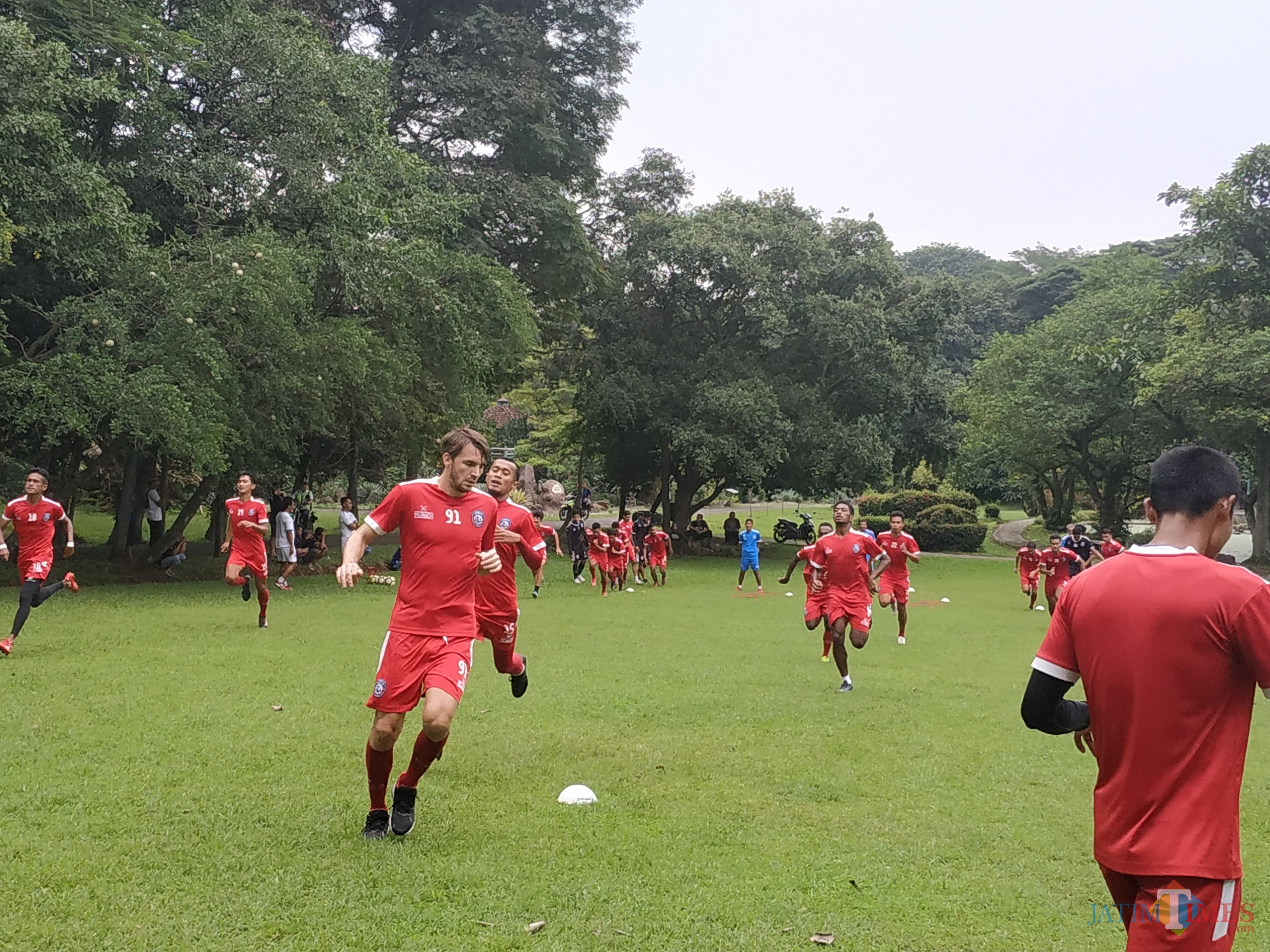 Suasana latihan Arema FC di Kebun Raya Purwodadi, Kabupaten Pasuruan, Selasa (19/3/2019) (Hendra Saputra)