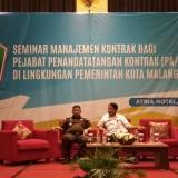 Wali Kota Malang Sutiaji saat membuka kegiatan Seminar Manajemen Kontrak di Atria Hotel. (Foto: Nurlayla Ratri/MalangTIMES)