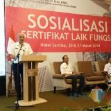 Sumardi, Sekretaris DPUPR Kota Malang saat memberikan sambutan dalam sosialisasi SLF (Anggara Sudiongko/ MalangTIMES)