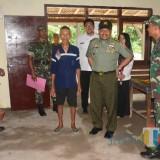 Tim Pengawas Kodam V/Brawijaya  saat meninjau hasil pembangunan RTLH di Kab Blitar