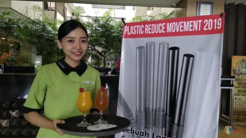 Sajian jus di Savana Hotel & Convention Malang kini tidak lagi disertai sedotan plastik. (Foto: Nurlayla Ratri/MalangTIMES)