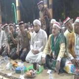 Pakai jubah putih KHR Ahmad Azaim Ibrahimy bersama Kapolres dan Dandim serta Forkopimda Kabupaten Situbondo (Foto: Heru Hartanto/ SitubondoTIMES)