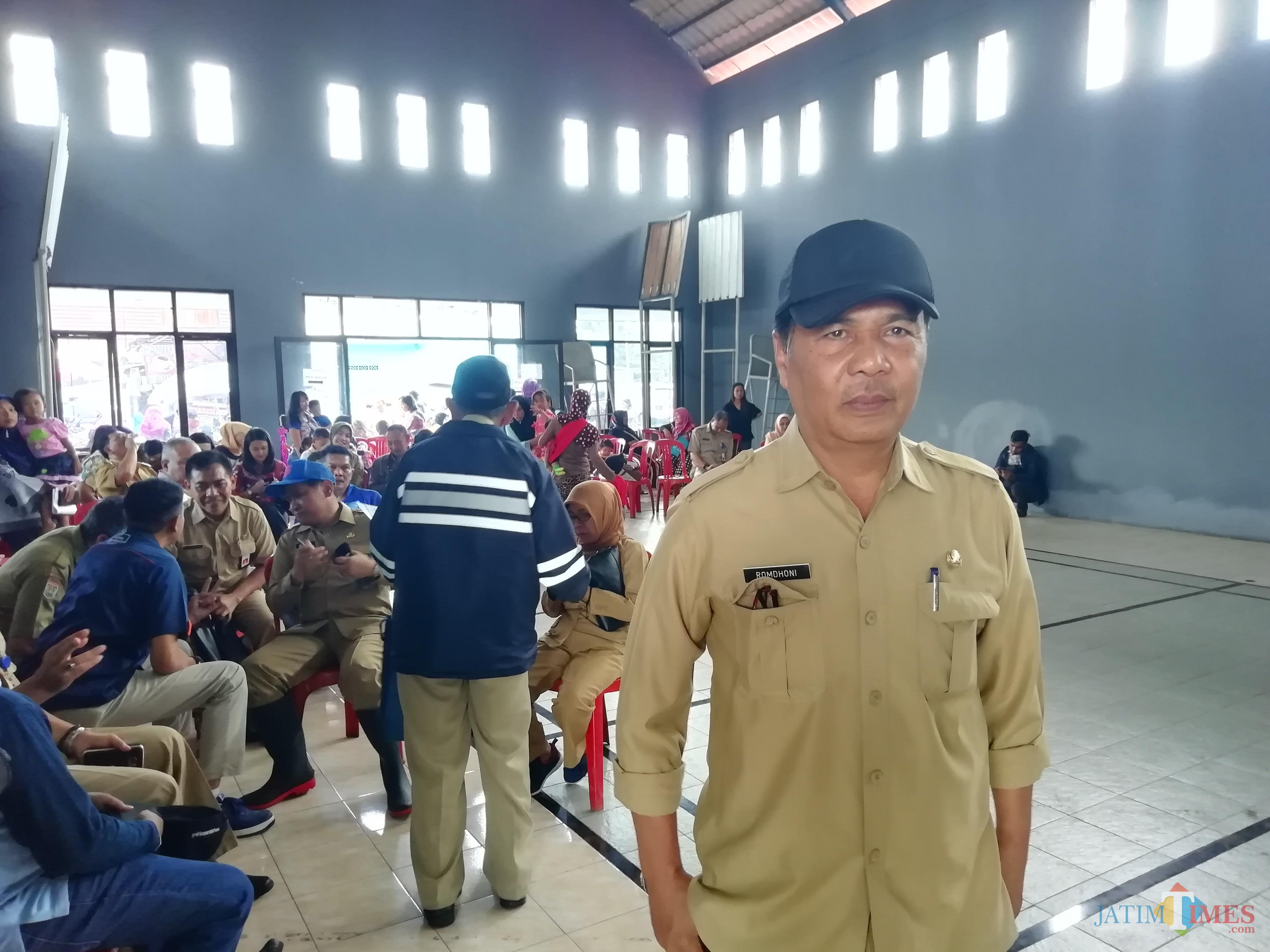 Kepala DPUBM Kabupaten Malang Romdhoni menjelaskan berbagai pertimbangan pembangunan jalan yang secara langsung merubah pola dan fungsi jalan (Nana)