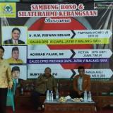 Anggota DPR RI, Ridwan Hisjam (berdiri kenalan kemeja kuning) saat hadir dalam kegiatan Sambung Rasa dan Silaturahim Kebangsaan yang berlangsung di Kota Malang, Sabtu (23/3/2019) (Pipit Anggraeni/MalangTIMES)