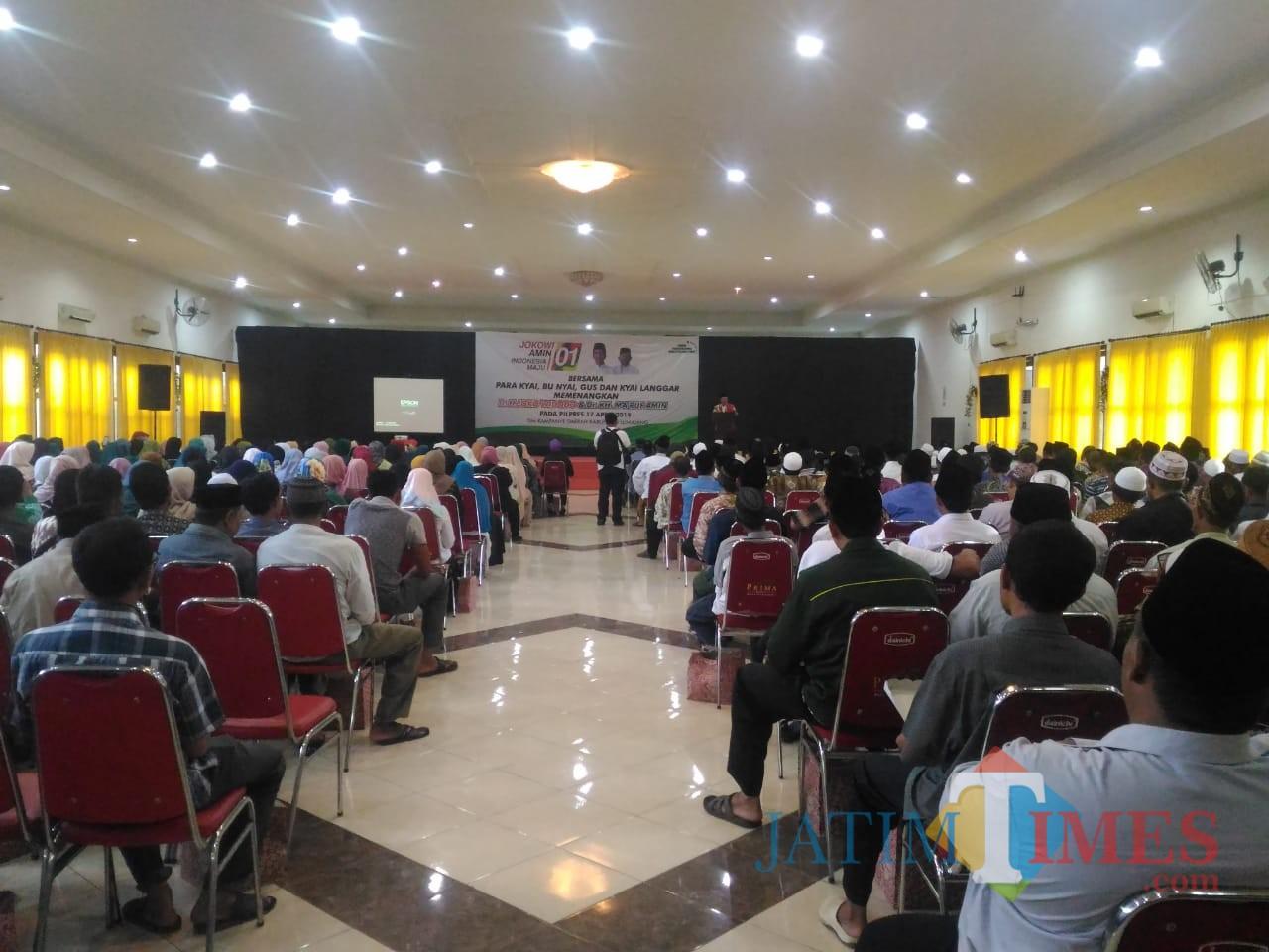 Deklarasi dukungan kepada Jokowi KH. Makruf Amin digelar di Hotel Prima Lumajang (Foto : Moch. R. Abdul Fatah / Jatim TIMES)