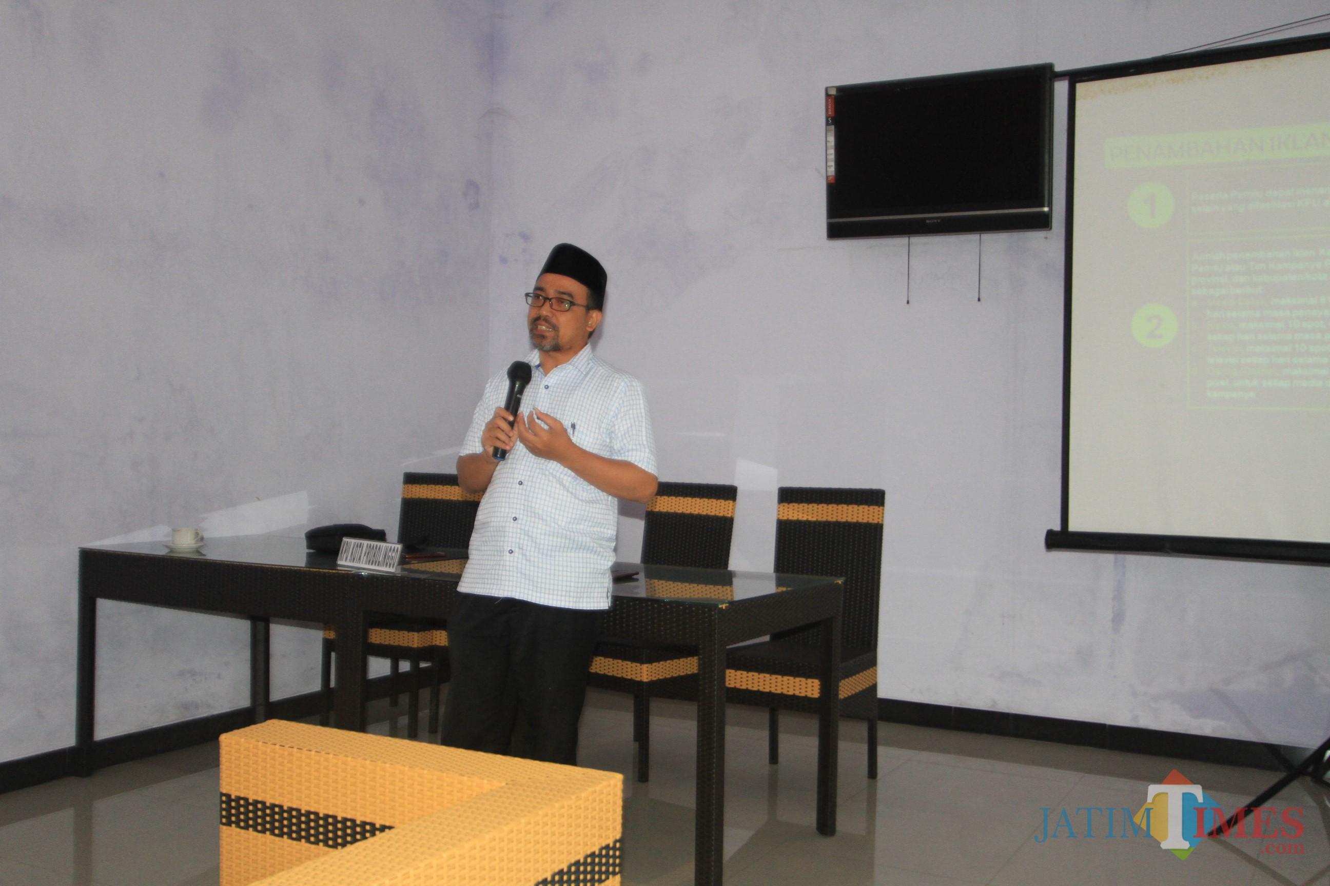 ketua KPU Ahmad Hudri saat acara gathering dengan Bawaslu dan Media  (Agus Salam/Jatim TIMES)