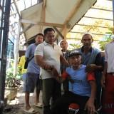 Orang tua korban histeris saat di kamar mayat RSUD dr Mohamad Saleh, Kota Probolinggo (Agus Salam/JatimTIMES)