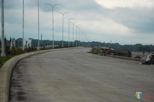 Ruas tol Malang-Pandaan yang ditargetkan rampung sebelum Lebaran. (Luqmanul Hakim/Malang Times)