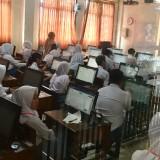 Satu Pelajar SMK di Kota Batu Ikuti Ujian di Rumah Sakit, Tak Pakai Komputer Tapi Pakai Pensil