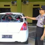Petugas lakukan identifikasi dan olah TKP / foto: Dokpol/ Tulungagung TIMES