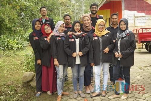 Anggota Kelompok KKN 27 (Foto : Agung Wardoyo untuk JatimTIMES)