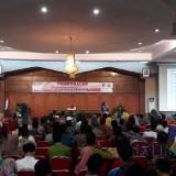 Tim Pemantau Pemilu 2019 saat mendapat pembekalan di Aula PB Sudirman Pemkab Jember (foto : Moh. Ali Makrus / Jatim TIMES)