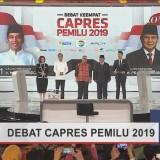 Sebelum Berdebat, Prabowo Sempat Berbisik kepada Jokowi