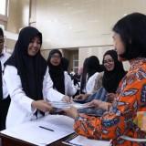 CPNS Kota Batu saat menerima Surat Keputusan di Graha Pancasila, Balai Kota Among Tani beberapa saat lalu. (Foto: Irsya Richa/MalangTIMES)