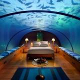 Salah satu hotel unik di dalam laut di The Manta Resort, Zanzibar. (Foto: istimewa)