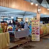Para pengunjung saat mengunjungi pameran UMKM. (Eko Arif S /JatimTIMES)