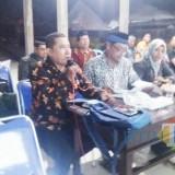 Situasi rapat yang digelar BPD terkait dugaan penyalahgunaan anggaran DD tahun 2018 oleh Kades Lemahbang Dewo, Sabtu (30/3/19) malam.
