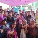 Anggota DPR RI Eva Kusuma Sundari bersama warga di Kampung Disabilitas Doko